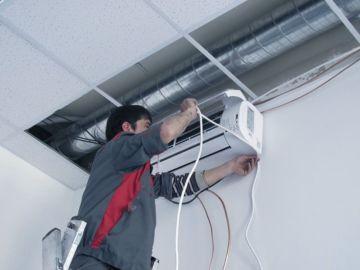 Демонтаж сплит-системы в офисе